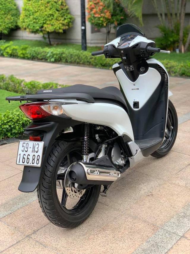 Dân chơi Sài Gòn hái ra tiền bằng nghề bán xe máy biển khủng hét giá ngang ô tô - Ảnh 4.