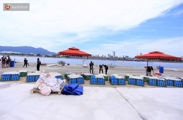 Ảnh: Xâm nhập trận địa pháo hoa khủng trước giờ khai hỏa DIFF 2019 ở Đà Nẵng - Ảnh 13.