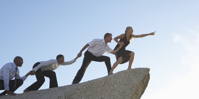 Thông minh thôi chưa đủ, một lãnh đạo thành công phải biết hình thành kiểu tư duy này ngay hôm nay - Ảnh 2.