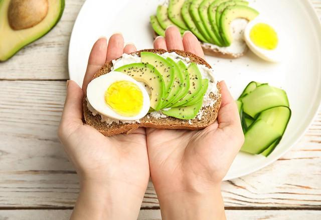 Mất ngủ kéo dài nên bổ sung thêm nhóm thực phẩm sau vào chế độ ăn để khắc phục - Ảnh 5.