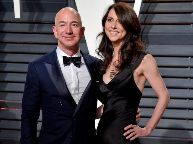 9 sự thật nổ não về sự giàu có tột cùng của CEO Amazon, Jeff Bezos - Ảnh 2.