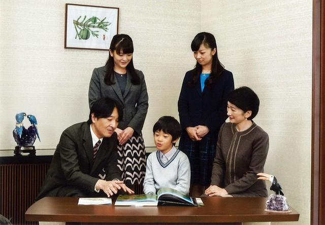 Tân Thái tử phi Kiko: Nàng dâu chuẩn mực, hoàn hảo đến khó tin, được lòng cả dân chúng Nhật Bản - Ảnh 5.