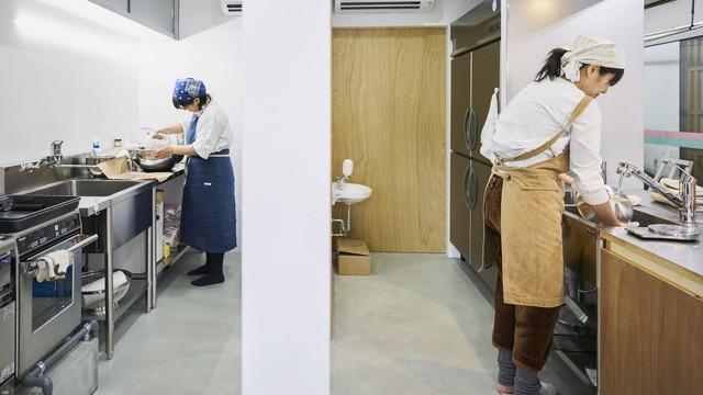 Không đủ tiền để mở cửa tiệm truyền thống, nhiều doanh nhân đổ xô phát triển các nhà hàng ma ở châu Á - Ảnh 1.