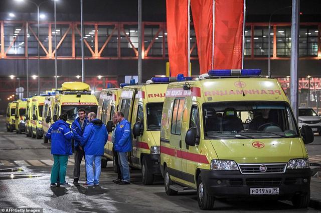 Hiện trường vụ cháy máy bay ở Nga, ít nhất 41 người thiệt mạng - Ảnh 14.