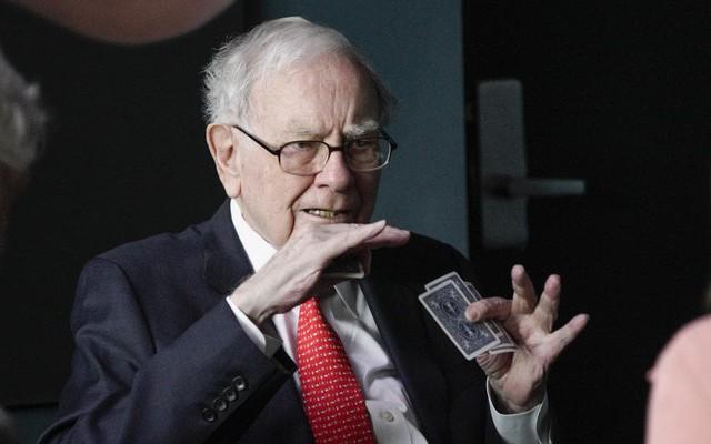 Quyết định đầu tư vào nước Anh của Warren Buffett ở thời điểm này là có sáng suốt?