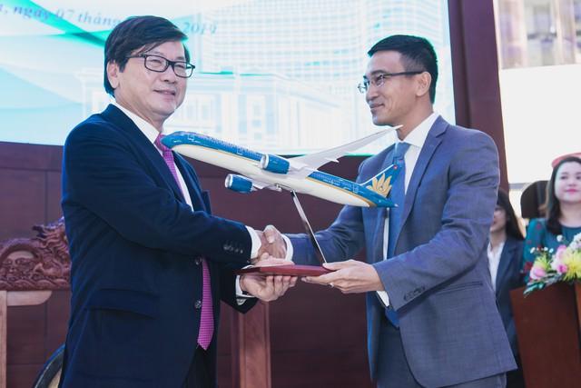 [Trực tiếp] Vietnam Airlines chính thức niêm yết trên HoSE, được định giá lên đến 2,5 tỷ USD - Ảnh 1.