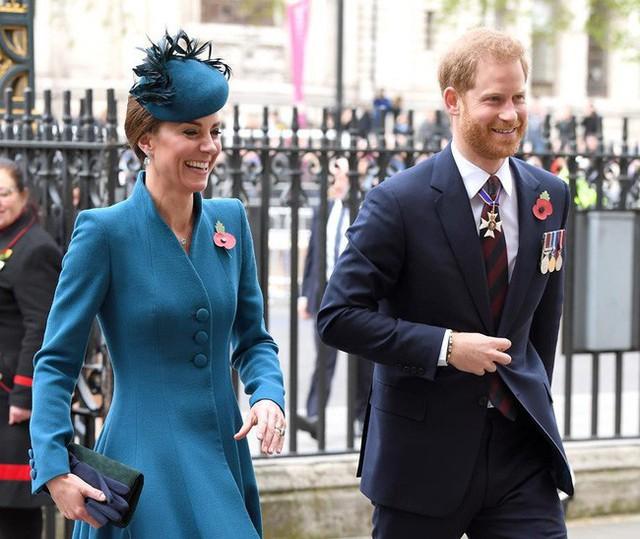 Lời xin lỗi chân thành của Hoàng tử Harry gửi đến chị dâu Kate vì những mâu thuẫn, xích mích liên quan đến Meghan - Ảnh 1.