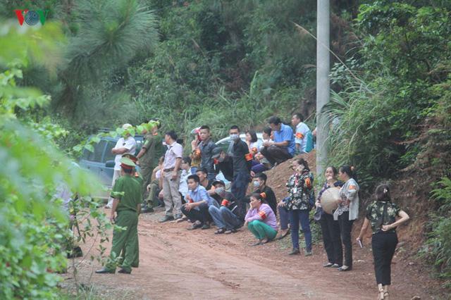 Hà Nội tiếp tục cưỡng chế công trình vi phạm trên đất rừng Sóc Sơn - Ảnh 3.