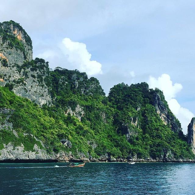Vịnh biển nổi tiếng tại đảo Koh Phi Phi - Thái Lan cấm khách trong 2 năm tới để phục hồi hệ sinh thái - Ảnh 5.