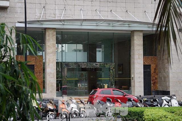Bộ Công an khám xét chuỗi cửa hàng Nhật Cường mobile - Ảnh 9.