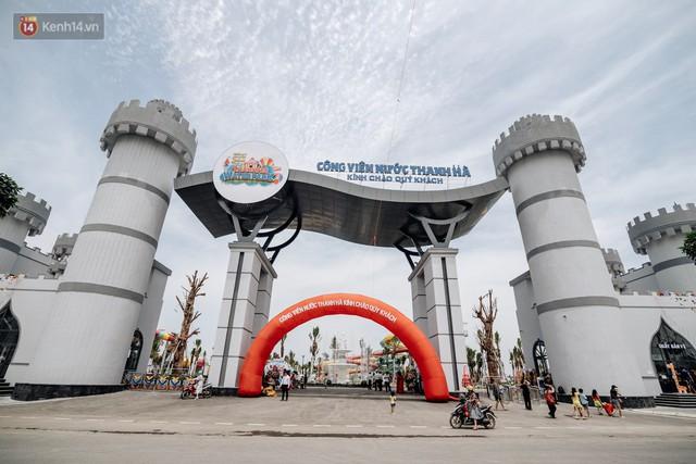 Người dân Hà Nội thích thú trải nghiệm công viên nước hiện đại nhất Thủ đô trong ngày đầu mở cửa - Ảnh 8.