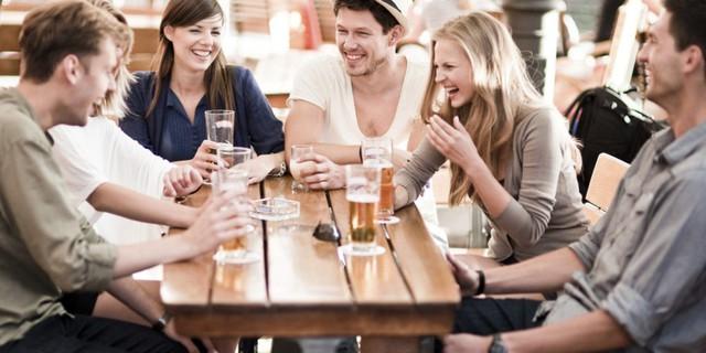 Lời ăn tiếng nói là điều bộc lộ bản lĩnh đầu tiên: Đừng nói 3 câu sau trong bữa ăn nếu không muốn bị đánh giá thấp - Ảnh 2.