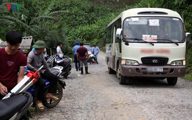 Ảnh: Sạt trượt đường tỉnh lộ, đe dọa cô lập 8 xã biên giới Lai Châu - Ảnh 4.