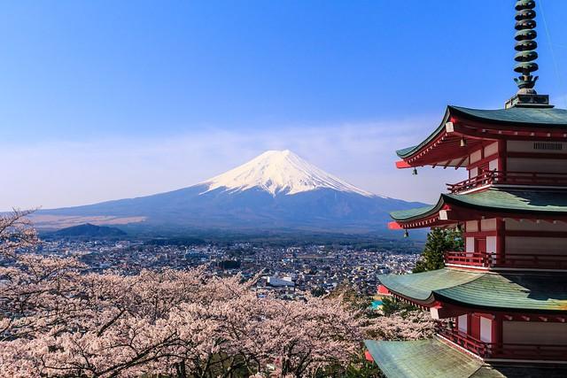 Nikkei: Khách du lịch Việt Nam chi bạo tay thứ hai tại Nhật chỉ sau Trung Quốc - Ảnh 1.