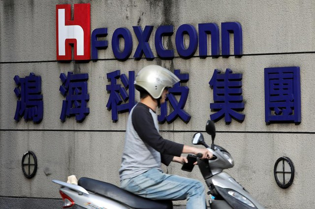 Apple, Foxconn sẵn sàng di dời cơ sở lắp ráp iPhone ra ngoài Trung Quốc - Ảnh 2.