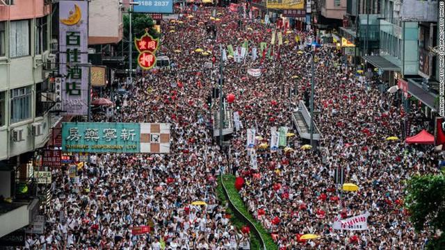 Dự luật dẫn độ khiến dân Hồng Kông dậy sóng phẫn nộ: Chuyện dễ hiểu mà khó phân xử - Ảnh 1.