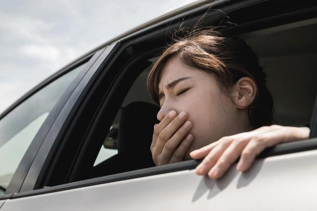 Lái xe ngoài đường giữa thời tiết nắng nóng đỉnh điểm như lúc này, ai cũng cần nắm rõ loạt lưu ý để tránh bị sốc nhiệt - Ảnh 7.