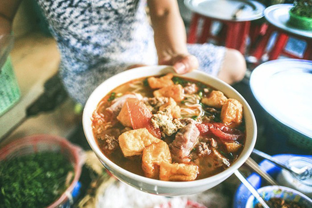 Theo tờ CNN, không chỉ có Phở, đây là 5 món ăn hớp hồn du khách quốc tế khi đặt chân đến Hà Nội - Ảnh 4.