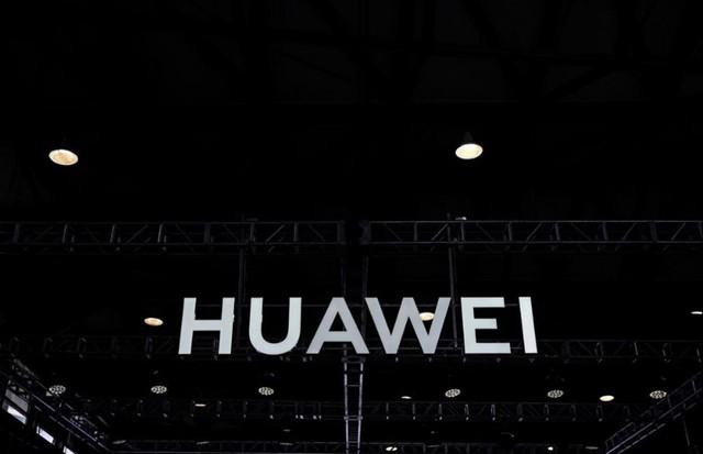 Mỹ hoãn lệnh cấm sử dụng thiết bị Huawei thêm 2 năm - Ảnh 1.