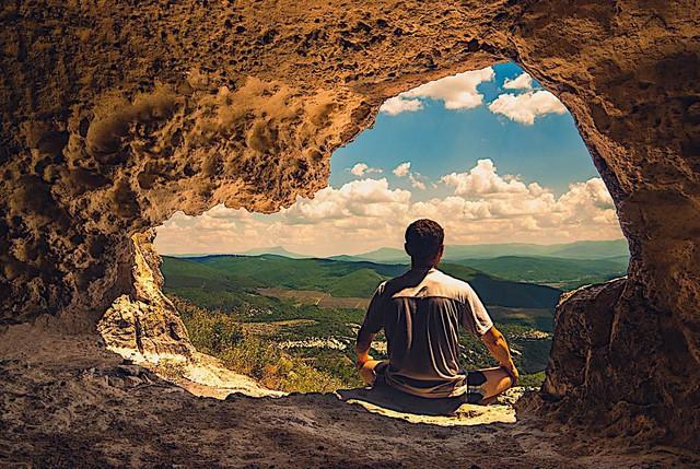 Xả stress sau ngày làm việc mệt mỏi bằng phương pháp thiền 4 bước cực dễ: Bí quyết để tâm hồn thư thái không ở đâu xa! - Ảnh 1.