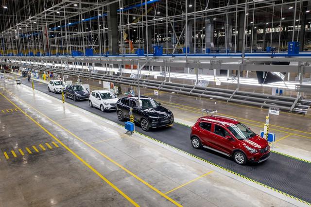 Vingroup chính thức khánh thành nhà máy ô tô VinFast, giao những xe đầu tiên sớm 2 tháng so với cam kết - Ảnh 1.