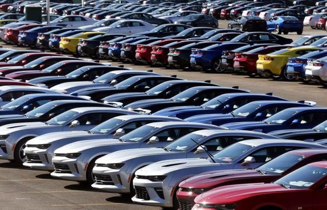 Tồn kho từ 2018, mua ô tô đại hạ giá coi chừng chất lượng - Ảnh 2.