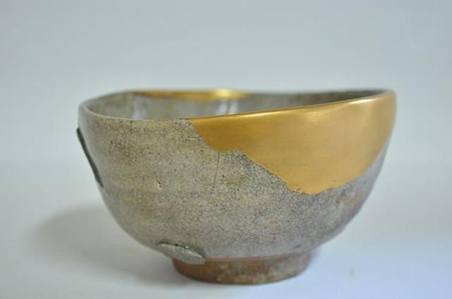 Kintsugi: Nghệ thuật dùng vàng ròng hàn gắn gốm vỡ và triết lý cuộc sống tôn vinh vẻ đẹp từ những rạn nứt tâm hồn của người Nhật - Ảnh 5.