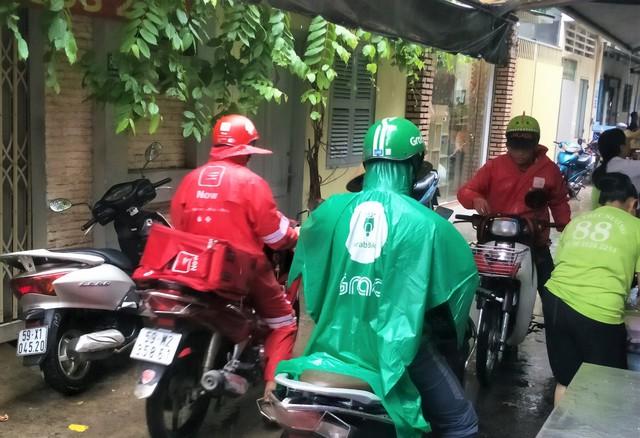 Lời miệt thị CEO Nhật ném vào tài xế công nghệ Việt và những bộ đồng phục định giá con người - Ảnh 6.
