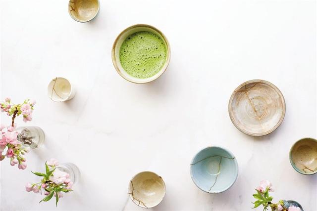 Kintsugi: Nghệ thuật dùng vàng ròng hàn gắn gốm vỡ và triết lý cuộc sống tôn vinh vẻ đẹp từ những rạn nứt tâm hồn của người Nhật - Ảnh 10.
