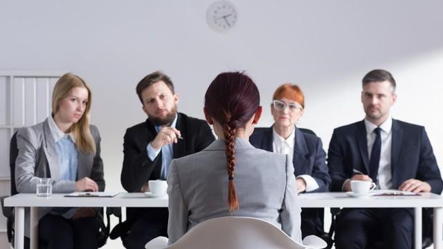 Đến sớm để gây ấn tượng với nhà tuyển dụng, cuối cùng lại phản tác dụng: Nói đúng lời, căn đúng thời điểm, công việc sẽ nằm chắc trong tay! - Ảnh 1.