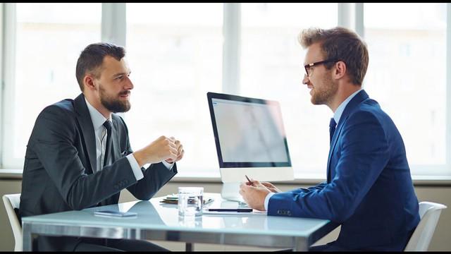 Đến sớm để gây ấn tượng với nhà tuyển dụng, cuối cùng lại phản tác dụng: Nói đúng lời, căn đúng thời điểm, công việc sẽ nằm chắc trong tay! - Ảnh 2.