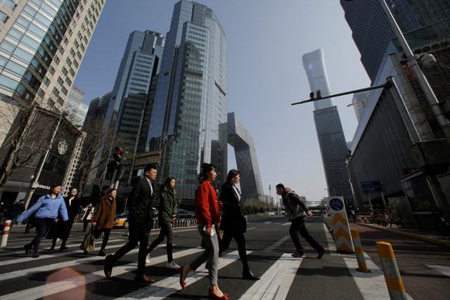 Giữa chiến tranh thương mại, các quỹ đầu tư vẫn đặt cược vào nhu cầu tiêu dùng của Trung Quốc - Ảnh 2.