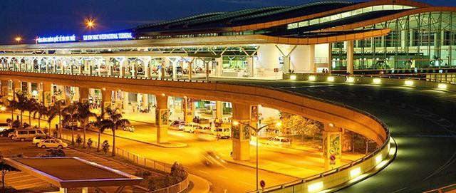 Sân bay Tân Sơn Nhất sắp ngưng sử dụng loa thông báo: Làm thế nào để thích nghi và không bị trễ giờ bay? - Ảnh 1.