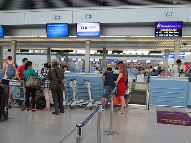 Sân bay Tân Sơn Nhất sắp ngưng sử dụng loa thông báo: Làm thế nào để thích nghi và không bị trễ giờ bay? - Ảnh 5.