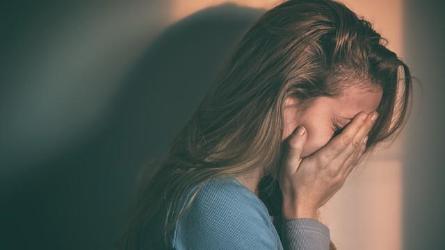 Cứ lặp lại thường xuyên những triệu chứng này, có thể là do gan của bạn chứa đầy độc tố - Ảnh 2.