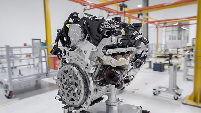 Bên trong xưởng sản xuất động cơ ô tô đầu tiên tại Việt Nam của VinFast có gì? - Ảnh 3.