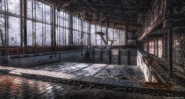 Từ vùng đất ma không ai dám bén mảng, nhà máy điện hạt nhân Chernobyl bỗng hóa xứ sở thần tiên đẹp lịm tim qua lăng kính của nhiếp ảnh gia - Ảnh 25.