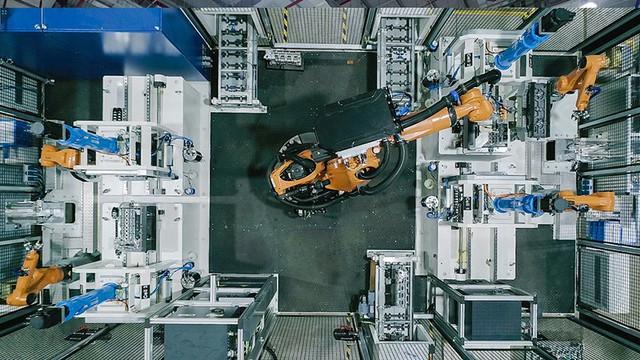 Bên trong xưởng sản xuất động cơ ô tô đầu tiên tại Việt Nam của VinFast có gì? - Ảnh 9.