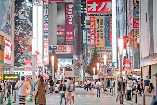 Nikkei: Khách du lịch Việt Nam chi bạo tay thứ hai tại Nhật chỉ sau Trung Quốc - Ảnh 2.