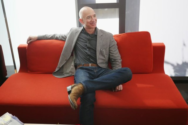 Người làm nên chiếc áo phông xám giản dị nhưng có giá 7 triệu đồng của CEO Facebook: Được cả Thung lũng Silicon săn lùng, thổi hồn thời trang cao cấp vào công nghệ khô khan - Ảnh 4.