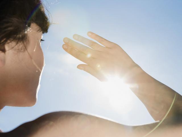 BS cảnh báo về thói quen uống nước ừng ực vào mùa hè và 4 sai lầm rất nhiều người mắc - Ảnh 2.