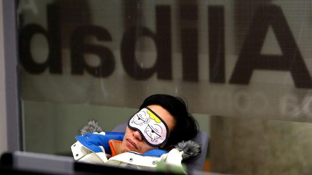Văn hóa làm việc 996 gây tranh cãi tại các công ty công nghệ Trung Quốc - Ảnh 1.