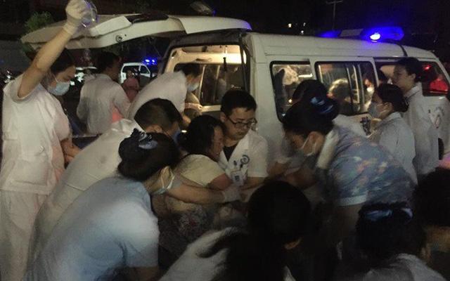 Động đất ở Tứ Xuyên (Trung Quốc): Số người thương vong tiếp tục tăng - Ảnh 1.