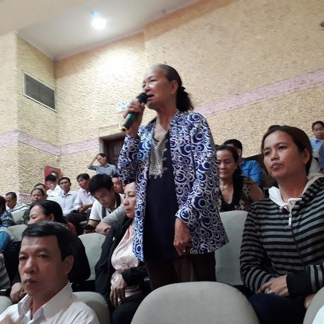 Cử tri tiếp tục hỏi bà Nguyễn Thị Quyết Tâm về vấn đề Thủ Thiêm - Ảnh 2.