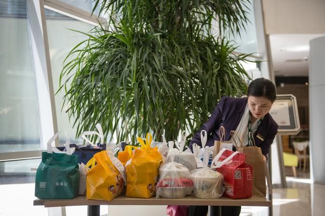 Ứng dụng giao đồ ăn nhấn chìm Trung Quốc trong biển nhựa - Ảnh 3.