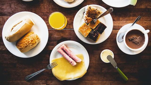 Cùng điểm qua bữa sáng trên khắp thế giới: Trong khi Việt Nam gắn liền với phở hay bánh mì thì các quốc gia khác bắt đầu ngày mới như thế nào? - Ảnh 2.