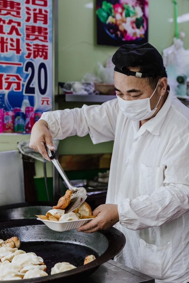 Chuyện về quán ăn Trung Quốc nỗ lực bảo tồn Tứ Đại Thiên Vương - bữa sáng cổ truyền chỉ dành cho vua chúa có nguy cơ bị thất truyền - Ảnh 3.