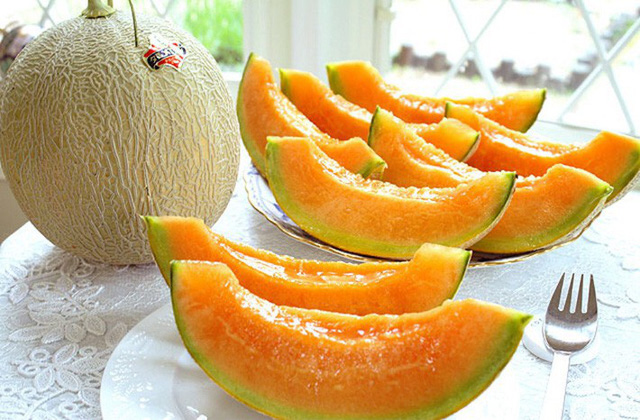 Những loại trái cây giá trên trời, gấp cả trăm lần quả vải thiều Shintomi 240.000 đồng/quả, có loại cả trăm triệu đồng - Ảnh 13.