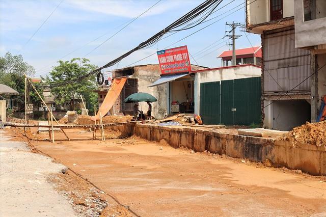 Hà Nội: 8 năm thi công không xong một tuyến đường dài 2,3km - Ảnh 7.