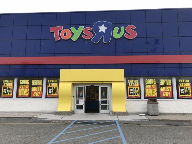 [Chuyện thương hiệu] Chuỗi đồ chơi Toys R Us của Mỹ hồi sinh từ cái chết - Ảnh 1.